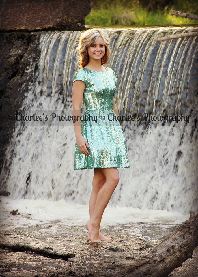 Charlee's Photography for weddings, graduations, engagements, senior pictures and other professional needs.