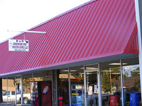 B&N Hardware and Poultry Supply in Broken Bow