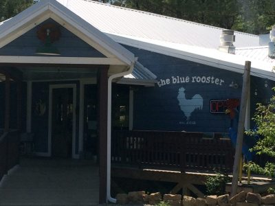 Blue Rooster fried chicken and seafood restaurant in Hochatown